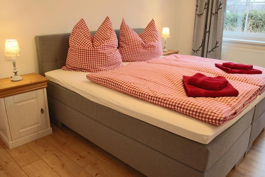 Boxspring bed for 2 persons in the bedroom